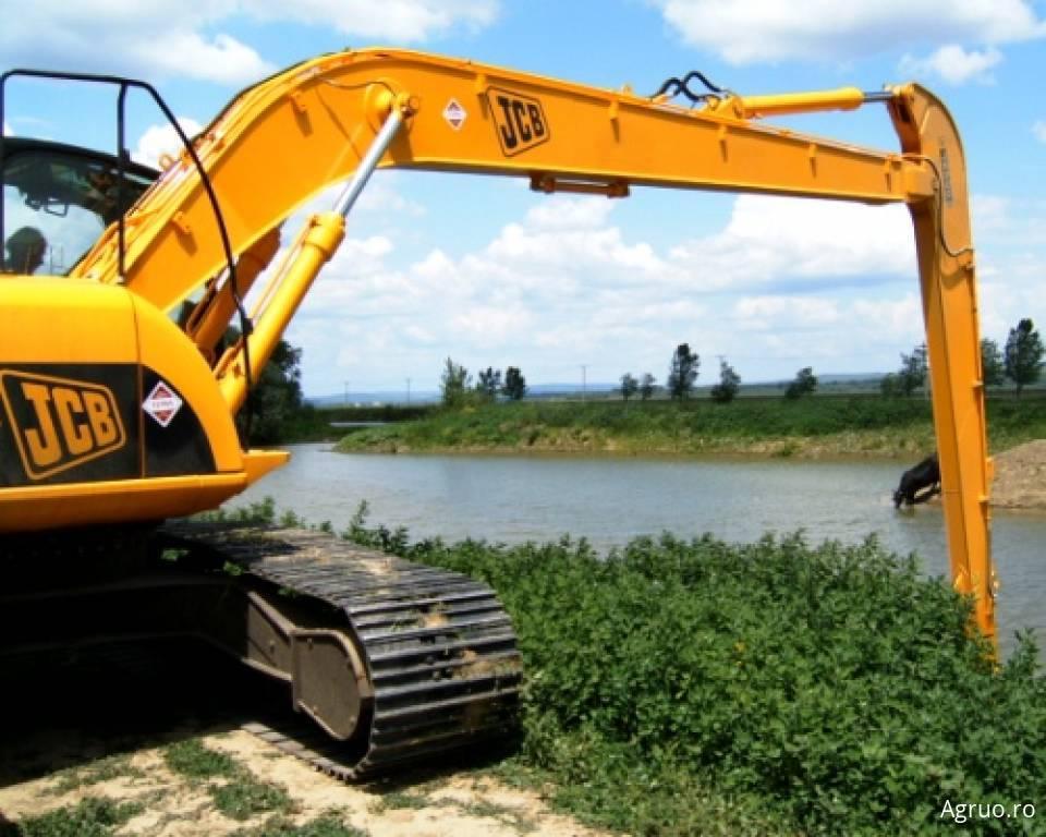 Excavator pe senile4872