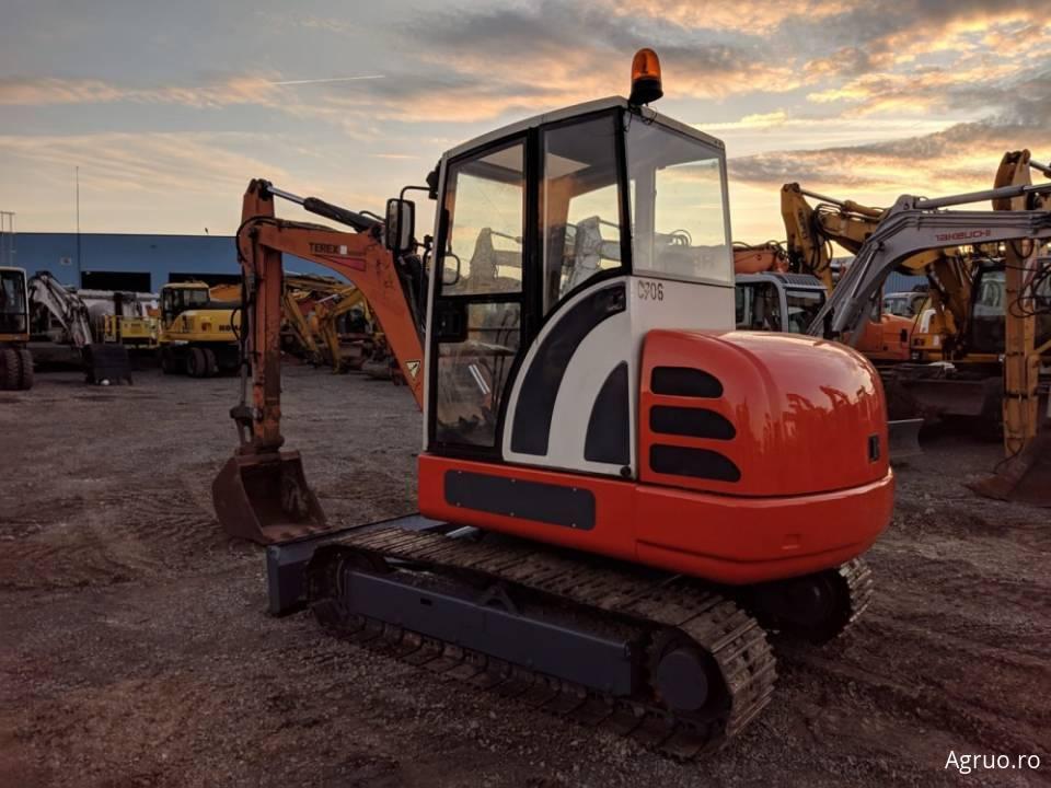 Mini-excavator pe senile5004