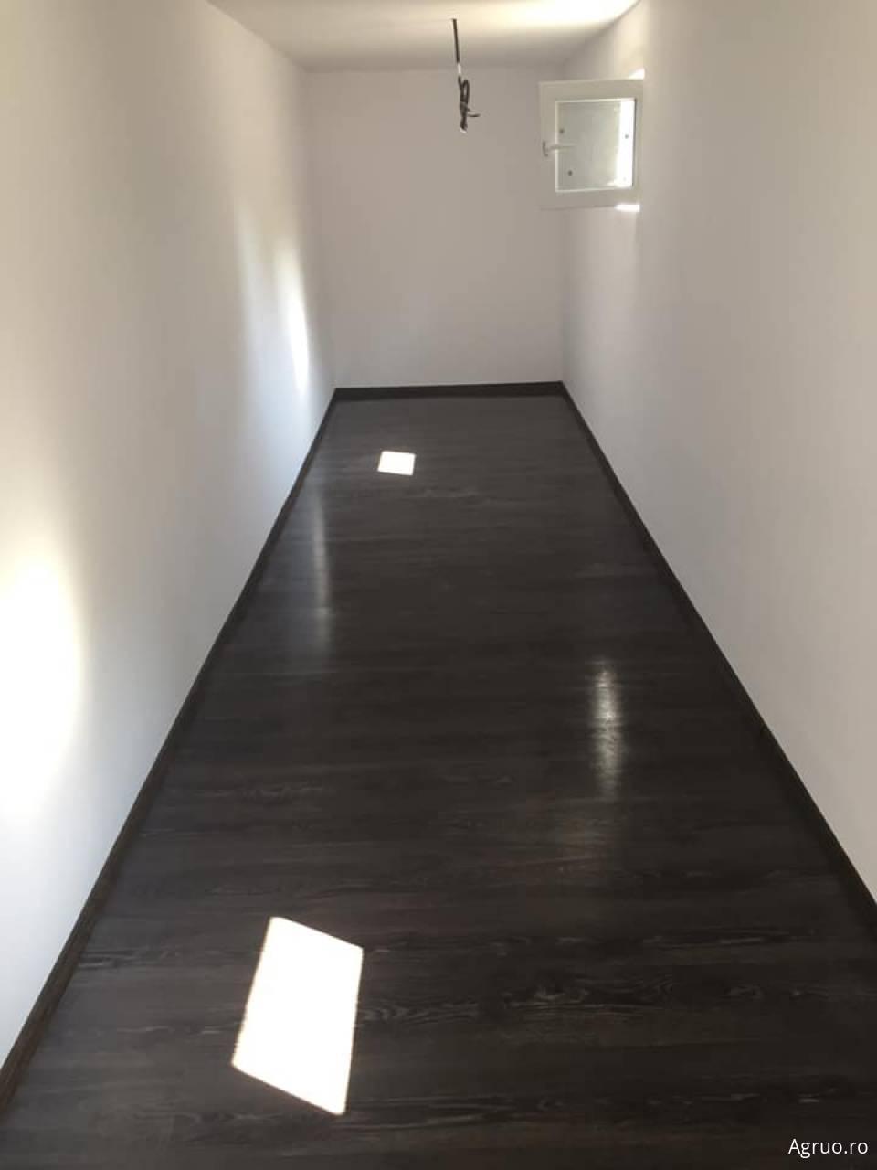 Montaj parchet laminat, inclusiv plinta, praguri5654