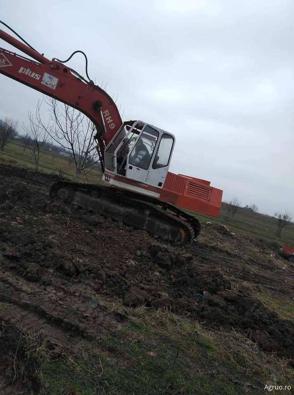 Excavator5733
