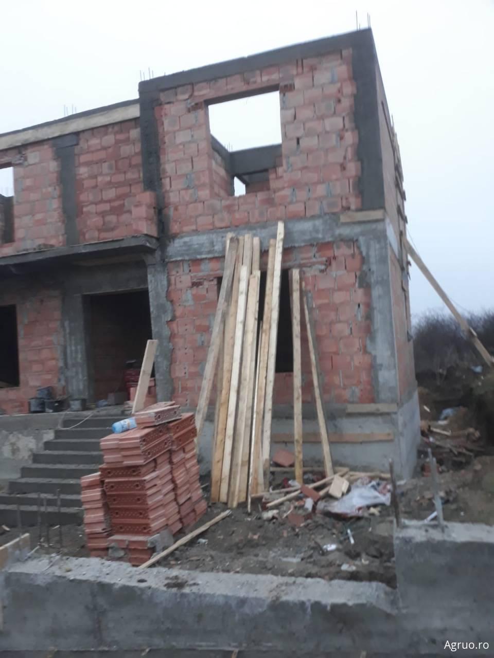 Casa la rosu5816