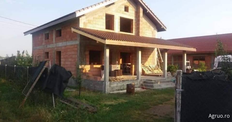 Casa la rosu5847