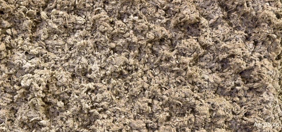 Izolatie cu spuma poliuretanica pulverizata5916