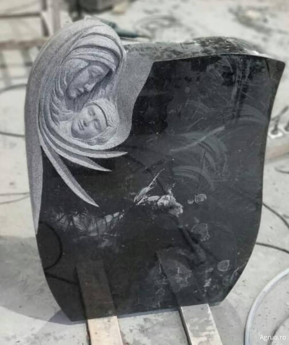 Monumente funerare6182