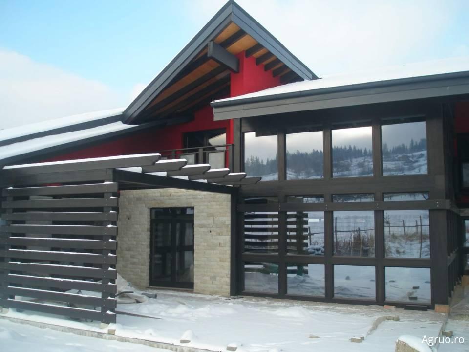 Casa din lemn8024