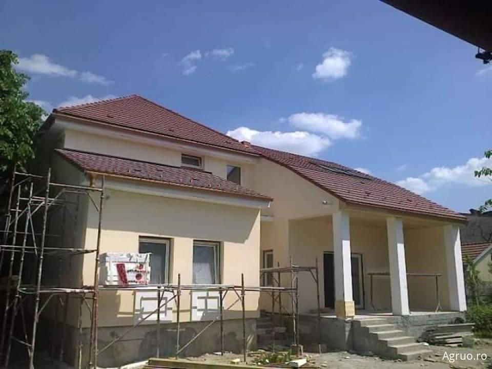 Casa la rosu48621