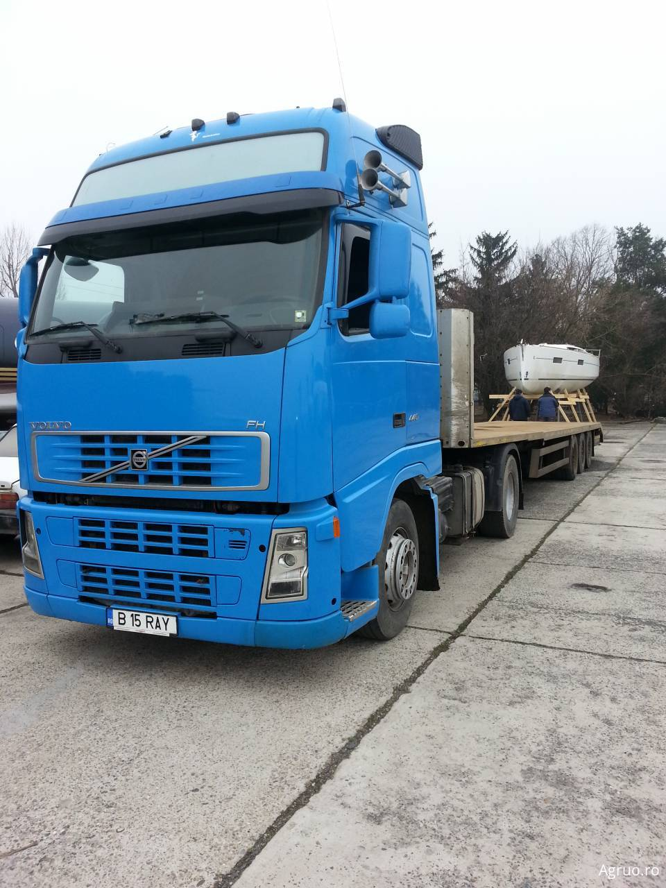 Camion cu platforma51237
