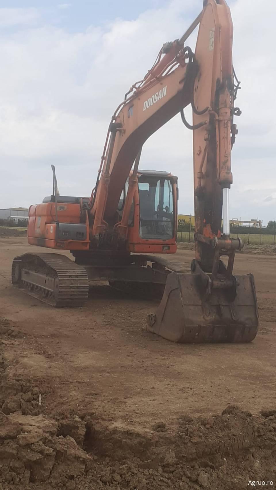 Excavator pe senile53326