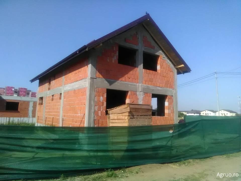 Casa la rosu53998