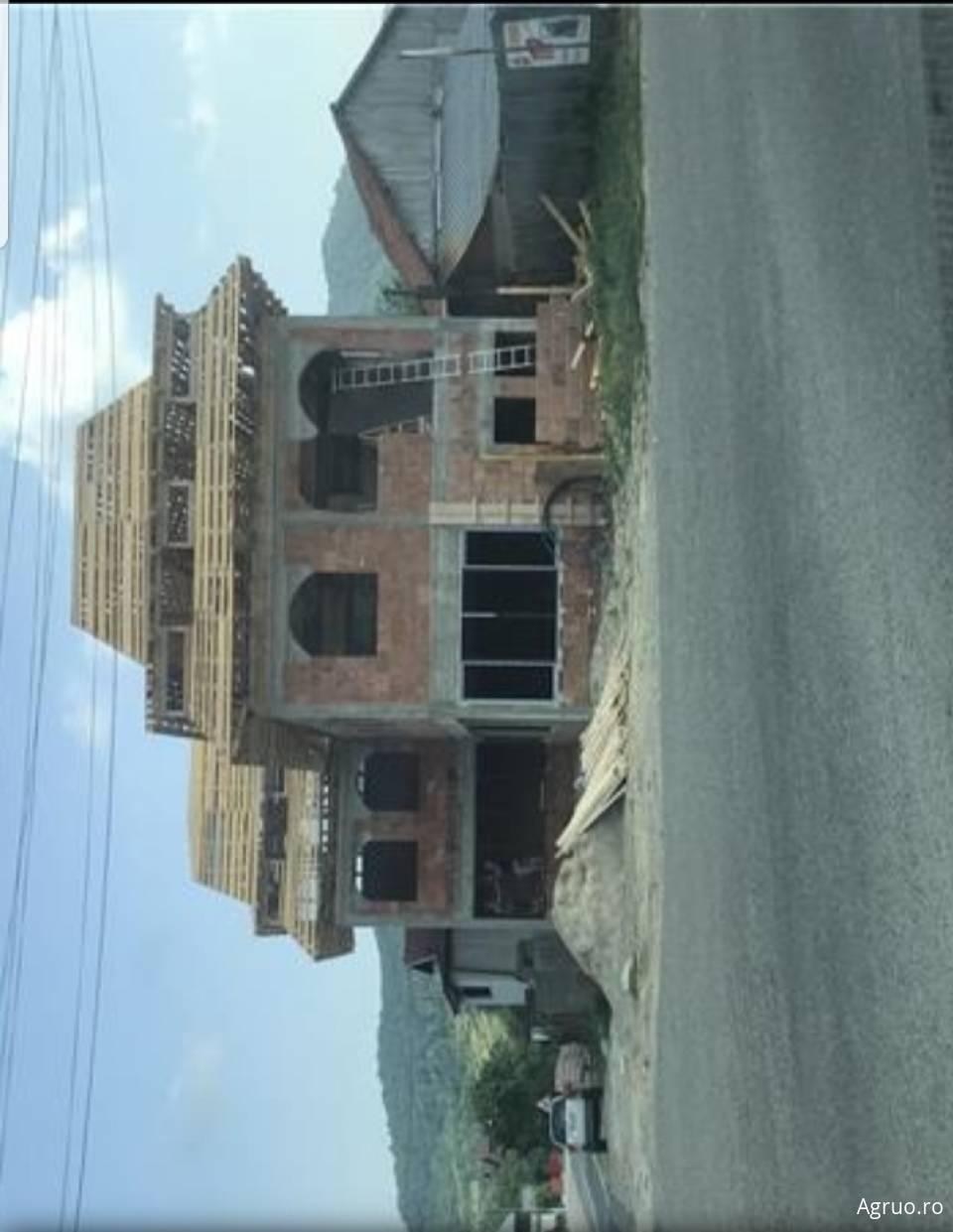 Casa la rosu54046