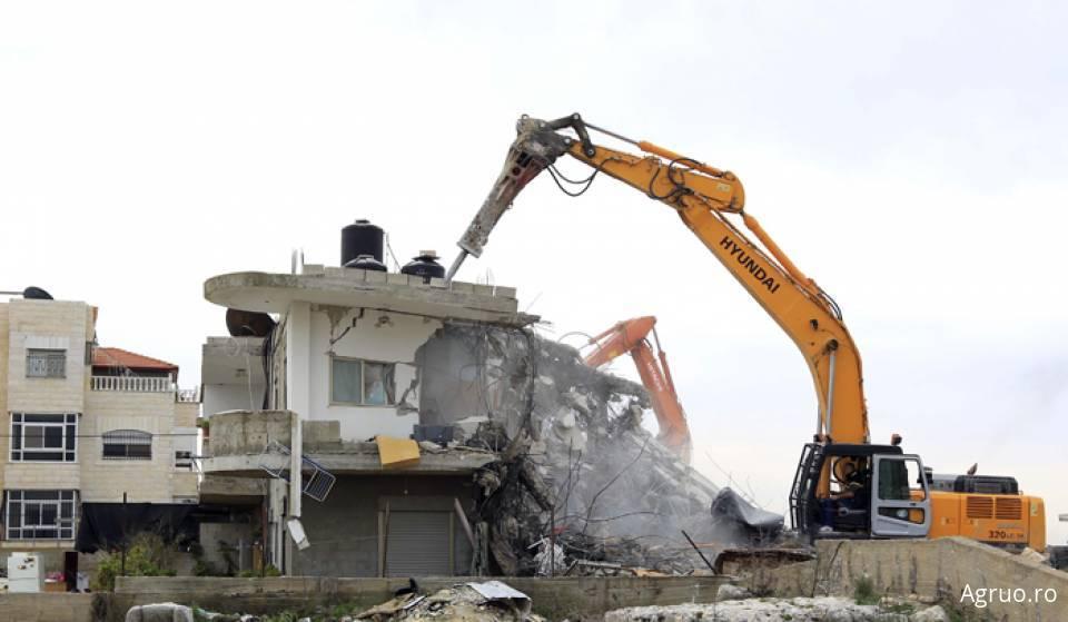 Demolat ziduri, fundatii, placi beton1809
