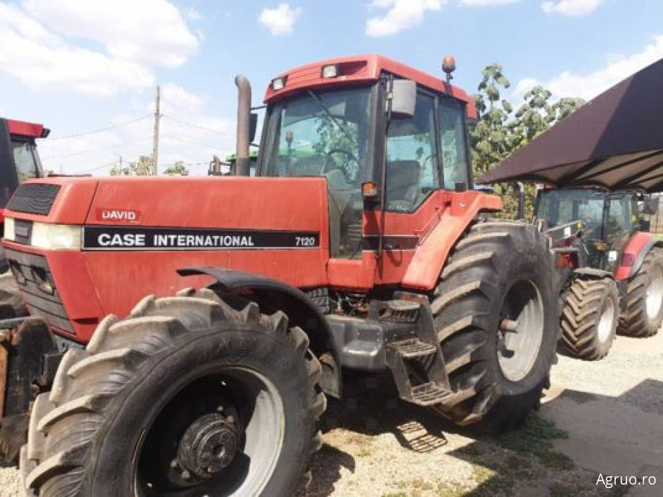 Tractor 2095