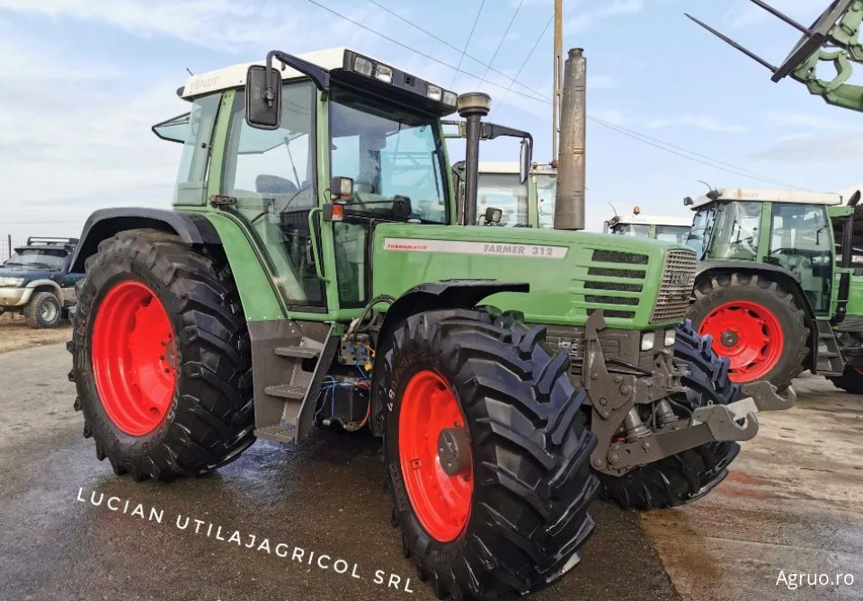 Tractor 2395