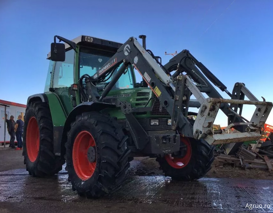 Tractor 2421