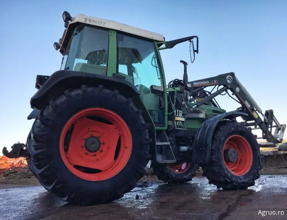 Tractor 2420