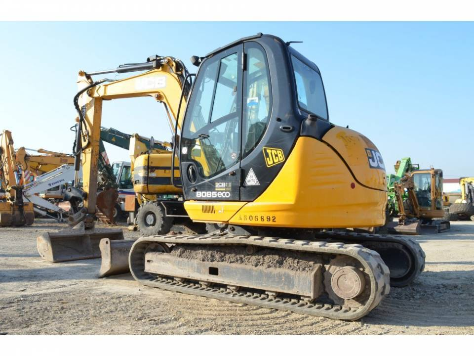Excavator pe senile3840