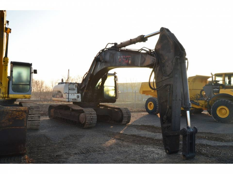 Excavator pe senile3867